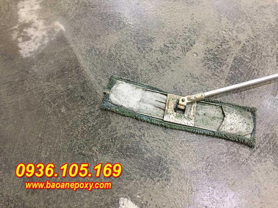 Hình ảnh 3 : Mặt sàn sau sau khi tiến hành bóc bóc bỏ lớp sơn