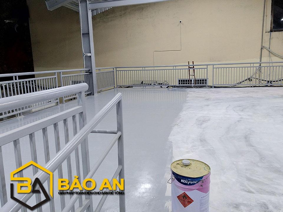 Hình ảnh 05: Thi công lớp sơn epoxy phủ lớp 01