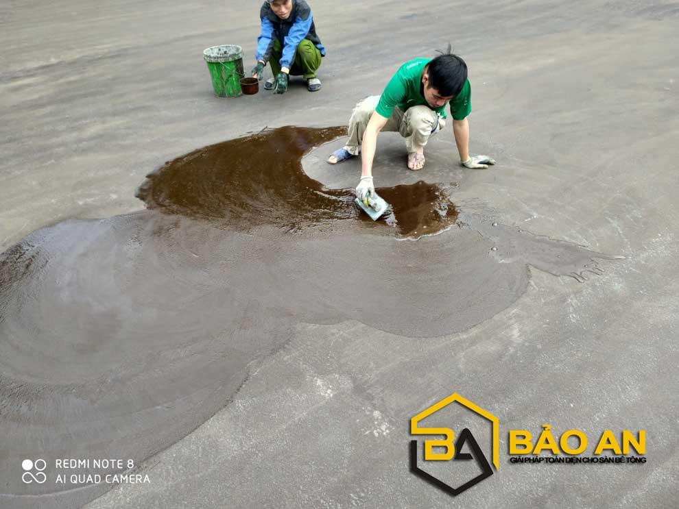 Hình ảnh 02 : Thi công bả vá vùng trũng động nước